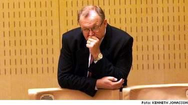 I Ekots lördagsintervju avslöjade Tomas Ramberg att statsminister Göran Persson flera gånger chansade och låtsades veta vad som hände med de utvisade egyptierna.