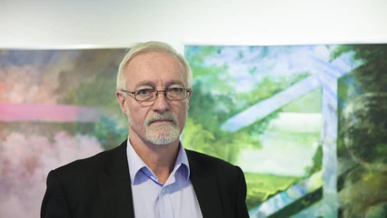 Bengt Gustavsson är ansvarig för skolorna i Östra Göinge kommun, han berättar att kommunen nu inlett en utredning om vad skolan gjorde och inte gjorde innan mordet på 15-årige Arminas. Foto: Jens Christian