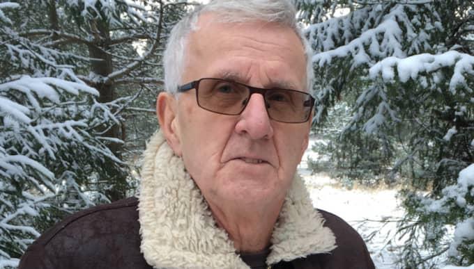 """""""Vi sökte verkligen noggrant här, men kunde inte hitta någonting,"""" säger Bosse Engrelius, 69, som deltog i Missing peoples sökinsats efter Madelene. Foto: Elias Giertz"""