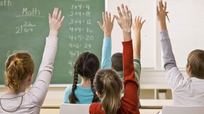 Om man inte har giltig legitimation har man snart ingen rätt att vara på skolan. Foto: Shutterstock