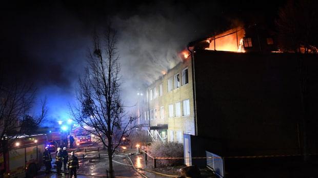 Flera skadade efter kraftig brand i Upplands-Bro