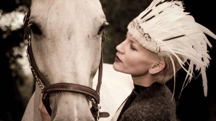 Den svenska fotomodellen Anna-Maria Moström, 29, hamnade i koma efter att ha blivit påkörd. Nu har respiratorn stängts av. Foto: Privat