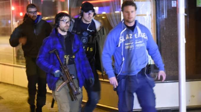 En stor polisinsats pågår just nu i Malmö. Foto: Andreas Holm