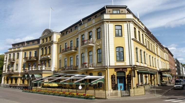 Karlstad stadshotell. Hit till det anrika hotellet tog den 48-årige mannen pojken och utsatte honom under flera dagar för sexuella övergrepp. Foto: Johan Eklund