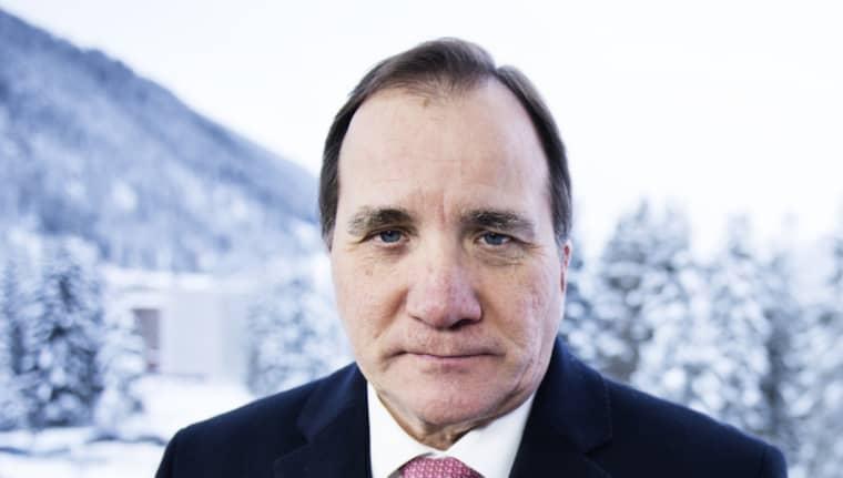 Stefan Löfven tycker att de som pratar om att sänka lönerna för att minska arbetslösheten är inne på fel spår. Foto: Anna-Karin Nilsson