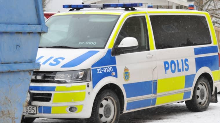 Kvinnan hittades knivskuren i en lägenhet. Hon fördes till sjukhus med allvarliga skador. Hennes liv gick inte att rädda. Foto: David Hårseth/Dagsmedia.se