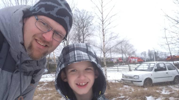 Per Byttner och hans son Leo, 7, befann sig ombord på tåget när branden bröt ut. Foto: Per Byttner