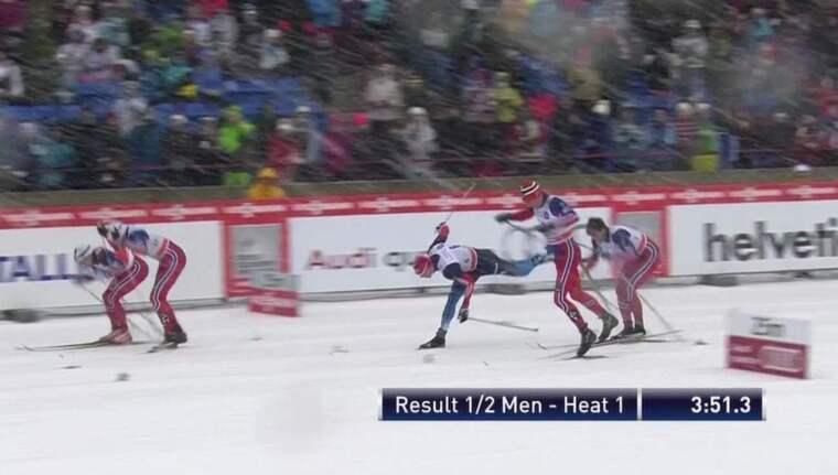 Tomas Northug fällde Jevgenij Ustigov på upploppet i semifinalen.