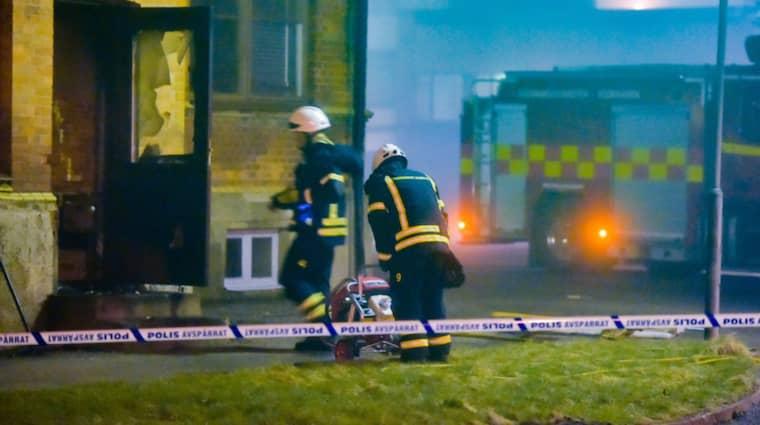 Vid 4-tiden under natten släckte räddningstjänsten en byggnadsbrand i centrala Klippan. Händelsen rubriceras som mordbrand. Foto: Foto:Jan Emanuelsson/Topnews.Se