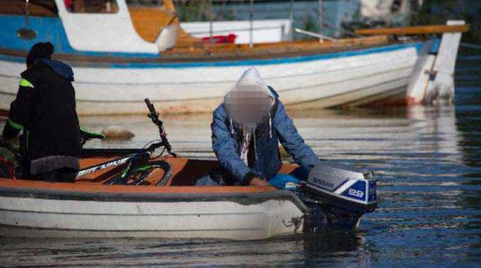 Med sitt zoomobjektiv lyckades fågelskådaren dokumentera en båtstöld. Foto: Polisen