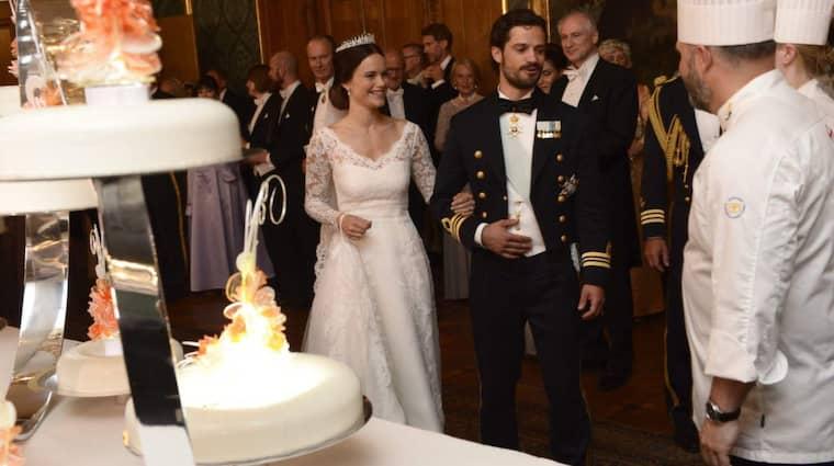 Bröllopstårtan innehöll jordgubbar, rabarber och pistage. Foto: Jonas Ekstromer