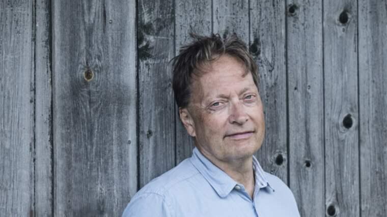 """Horace Engdahl är aktuell med aforismsamlingen """"Den sista grisen""""."""