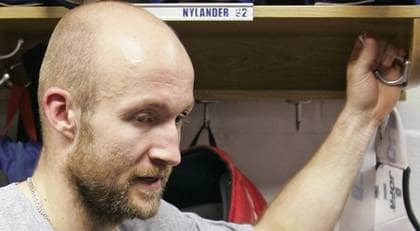 Michael Nylander är utfryst i Washington - men kan snart skrinna omkring i rysk värme i CSKA Moskva. Foto: AP