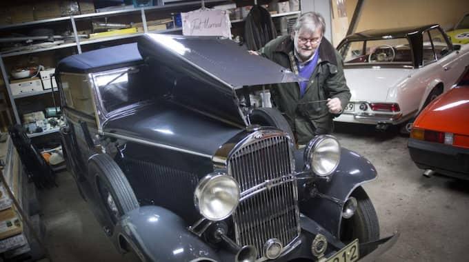 Håkan Håkansson, 60, köpte bilen tillsammans med sin pappa 1975. Foto: Christer Wahlgren