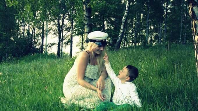 Stolt student. Olivia Nevelin blev mamma som 16-åring. Trots uppmaningar från vänner och ungdomsmottagningen valde hon att inte göra abort. Foto: Privat
