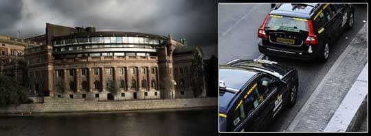 En M-politiker ska ha försökt strypa en taxichaufför.