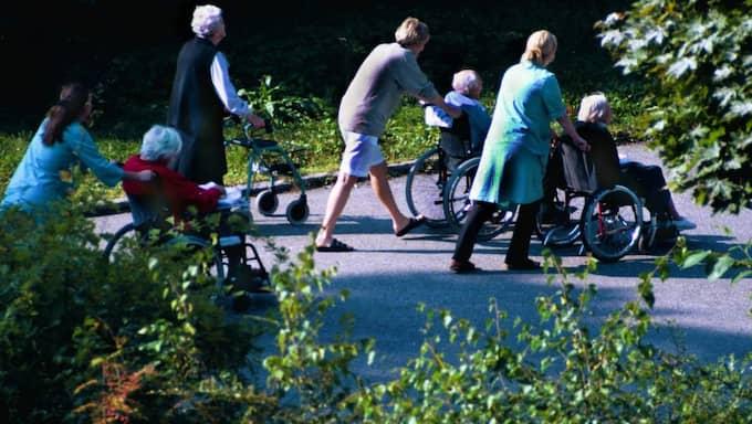 Behovet av gemenskap anses inte alltid vara en fråga för äldrevården. Foto: Roger Turesson