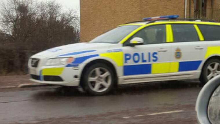När polisens patrull kom till platsen hittades en död man i lägenheten. Foto: Läsarbild