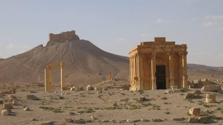 FÖRE: Baalshamintemplet var ett av Palmyras mest kända monument.