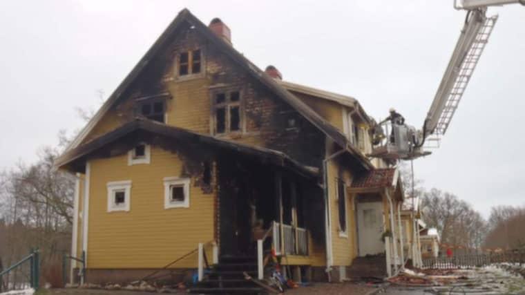 Dagen efter branden var fastigheten till stora delar utbränd. Foto: Räddningstjänsten Halmstad