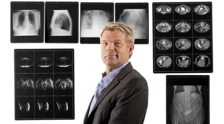 """FICK NOG. Överläkaren Stefan Branth har gett upp hoppet om att förbättra akutsjukvården. Nu har han sagt upp sig i protest. """"Trots att det är överfullt på sjukhuset drar man ner på antalet platser"""" säger han. Foto: TV3 Foto: Ulf Berglund"""