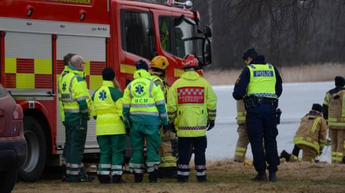 Räddningsarbetet på plats. Foto: David Hårseth/Dagsmedia