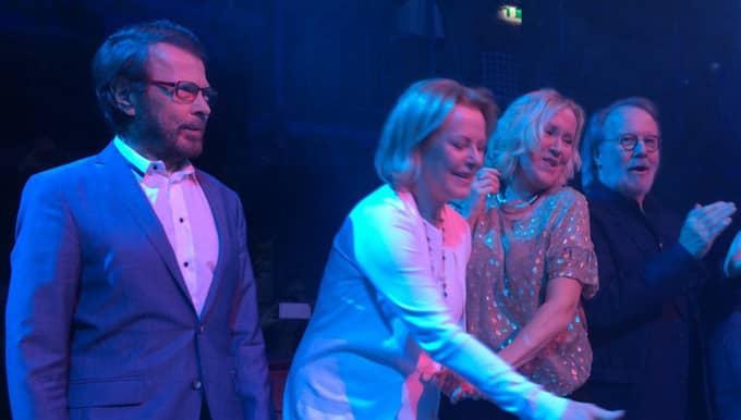 Björn Ulvaeus, Anni-Frid Lyngstad, Agnetha Fältskog och Benny Andersson på scen. Foto: Privat