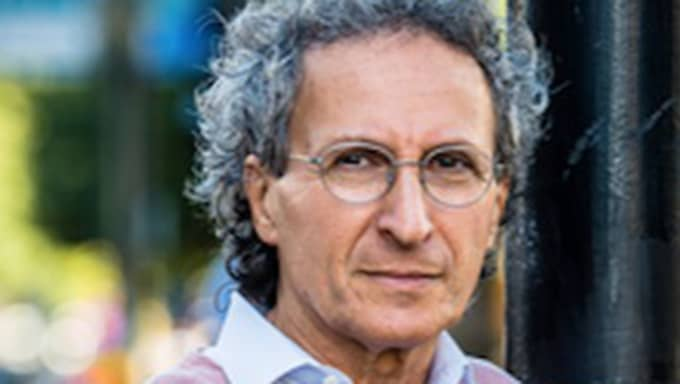 Jackie Jakubowski är skribent, författare och tidigare mångårig chefredaktör för Judisk krönika. Idag arrangerar föreningen Judisk kultur ett endagsseminarium på Konstakademien i Stockholm om kosmopolitism. Foto: Pressbild