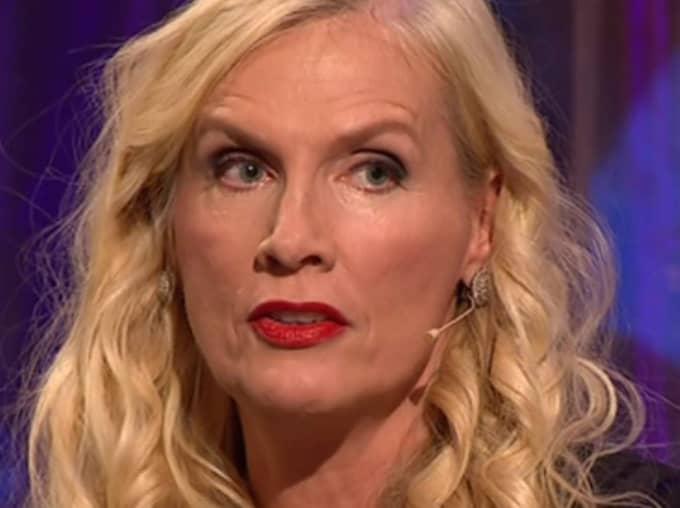 Gunilla Persson ska hitta kärleken.