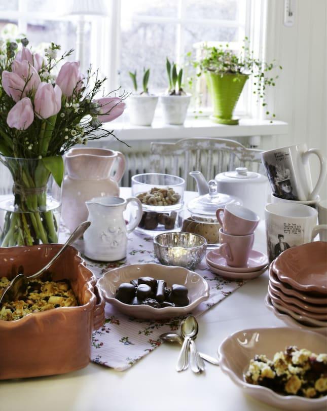 Pastell Koket : Volkommen po kalasUgnsform, 550 kronor, Gerbera Sked fron loppis