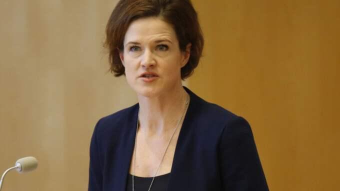 Anna Kinberg Batra vill inte lagstifta om sänkta löner. Foto: Christine Olsson/TT