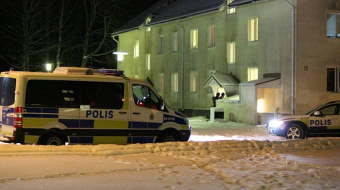 En man har anhållits för det misstänkta mordet på ett asylboende i Ljusne. Foto: Roger Nilsson/112media