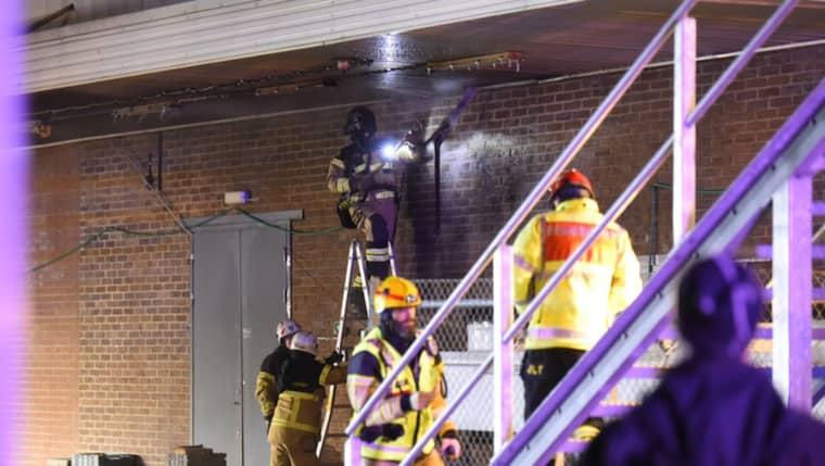 Efter en brand vid ett Willys-varuhus i Malmö fick en person föras till sjukhus. Foto: Andreas Holm