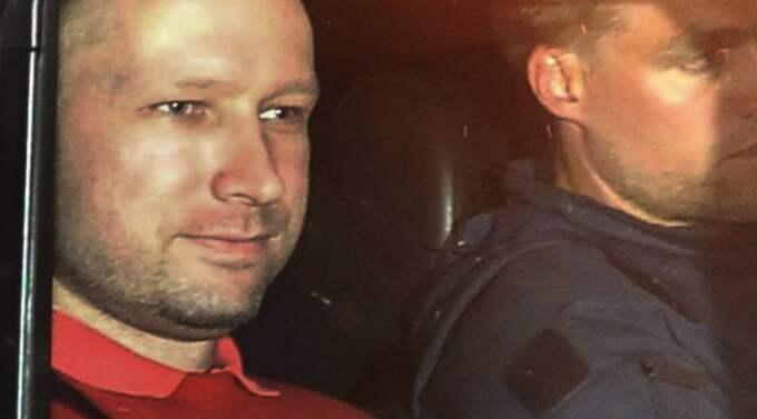 Klockan 12 i dag hålls förhandlingarna om omhäktning av Anders Behring Breivik. Breivik har via sin advokat bekräftat att han har ringt in till departementet, men inte berättat vilket datum det ska ha ägt rum. Foto: Jon-Are Berg-Jacobsen