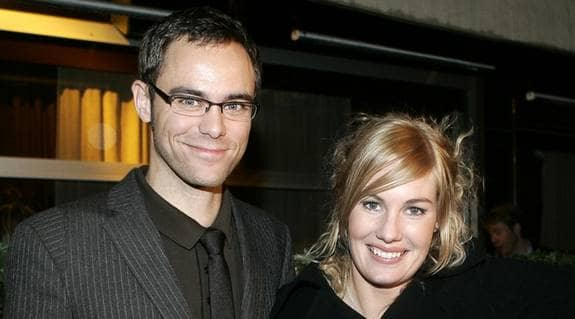Rickard Jonsson och Hanna Marklund ska bli föräldrar - det är orsaken till landslagsstjärnans beslut att lägga av med fotbollen. Foto: Stefan Söderström