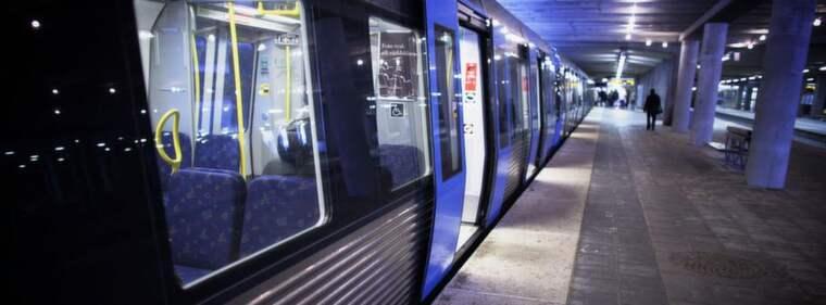 DEBATT. Polisens jakt på papperslösa i bland annat tunnelbanan måste avbrytas. Foto: Mikael Sjöberg