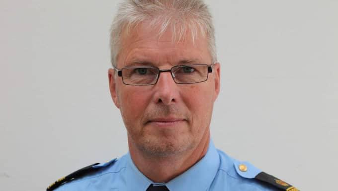 Håkan Carlsson, tillförordnad chef på polisens nationella transportsäkerhetsgrupp, säger att det blir fler och fler dieselstöder på E6. Foto: Polisen