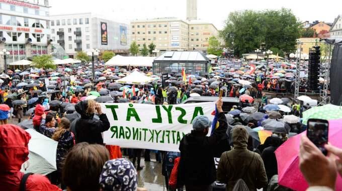 Tusentals personer är på plats. Foto: Maja Suslin/Tt