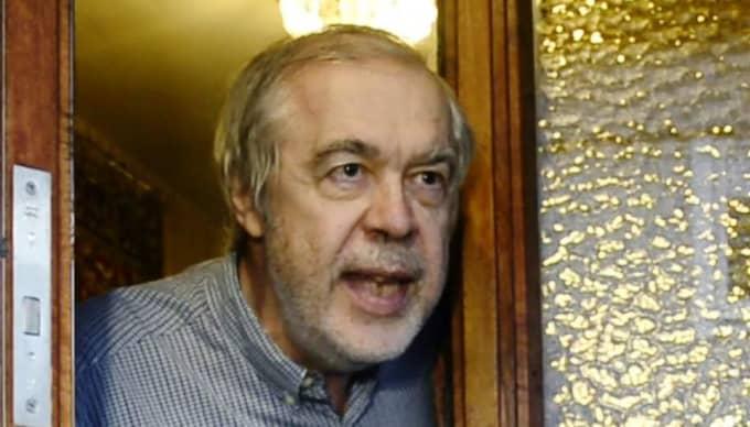 Avslöjad. Expressen konfronterar Jim Olsson om hans främlingsfientliga kommentarer på olika nätsajter. Foto: Robin Aron