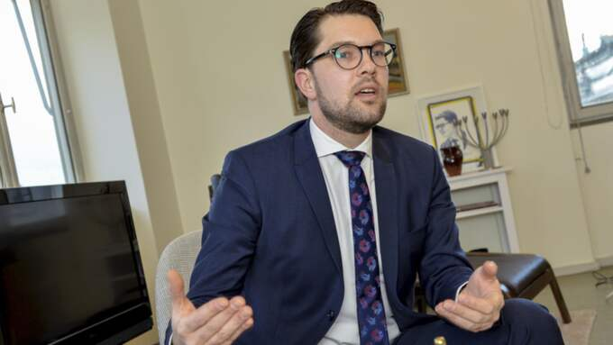 Sverigedemokraterna tappar väljare till Moderaterna. På bild Sverigedemokraternas partiledare Jimmie Åkesson. Foto: Jonas Ekströmer/Tt