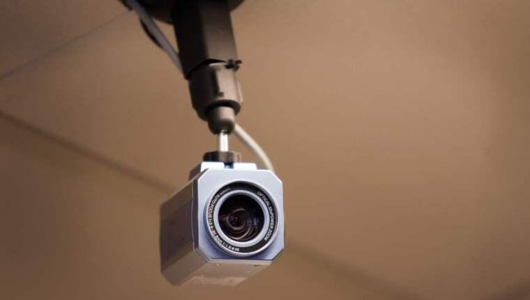 OBS Arkivbild. En man satte upp en privat övervakningskamera på vinden i sin bostadsrättsförening - utan tillåtelse. Foto: Sanna Dolck