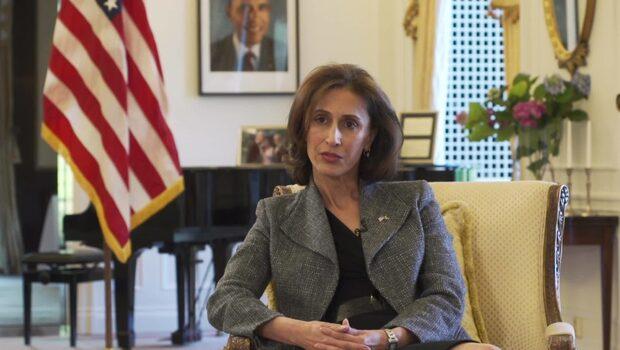Expressen TV träffar USA:s ambassadör Azita Raji