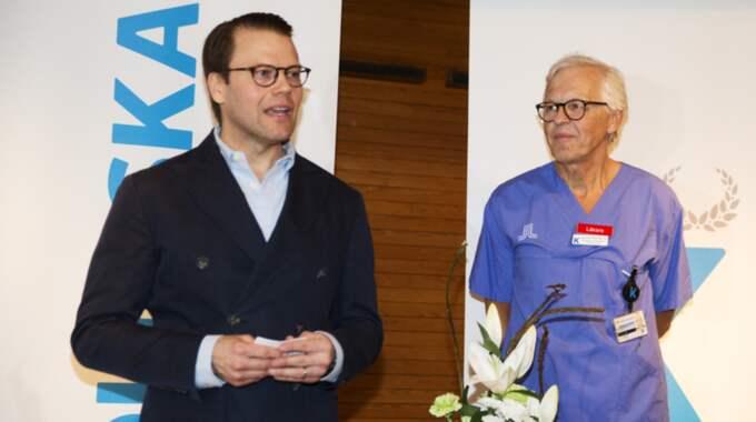 Prins Daniel tillsammans med läkaren Gunnar Nordström. Foto: Nils Petter Nilsson