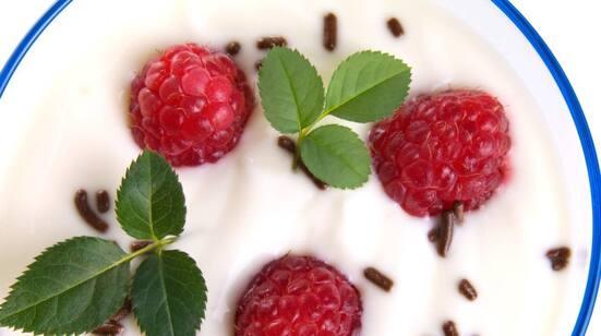 Problem: Väljer du en yoghurt med fruktsmak eller vanilj är den sannolikt en sockerbomb