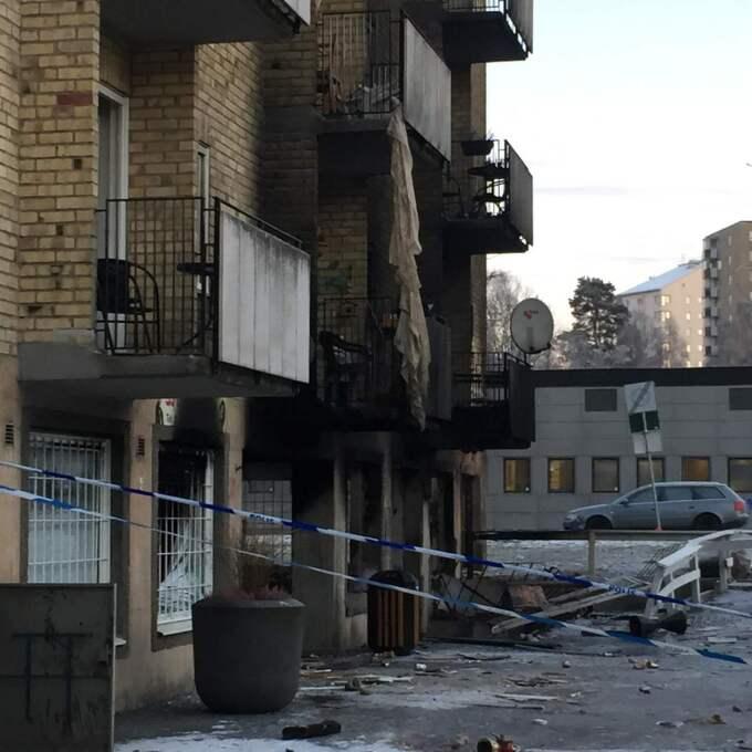 Det var strax före klockan 2 under natten mot torsdag som en kraftig explosion inträffade i anslutning till en butik. Foto: Mimmi Nilsson