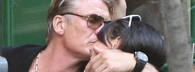 Aptit för kärlek. Paret Dolph Lundgren och Jenny Sandersson på en uteservering i Paris. Foto: STELLA PICTURES