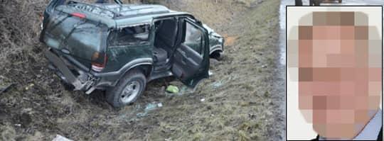 HAMNADE I DIKET. En 70-årig man och hans bil hamnade i diket efter att han blivit påkörd bakifrån av den 54-årige näringslivsprofilen (lilla bilden). Den 70-årige mannen fick allvarliga skador och hans tillstånd är kritiskt.. Foto: PATRICK PERSSON
