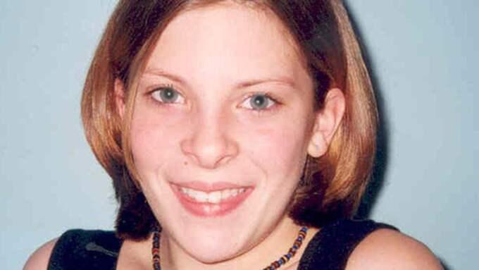 Milly Dowler var bara 13 år när hon försvann på väg hem från skolan. Hon hittades senare död Foto: Surrey Police