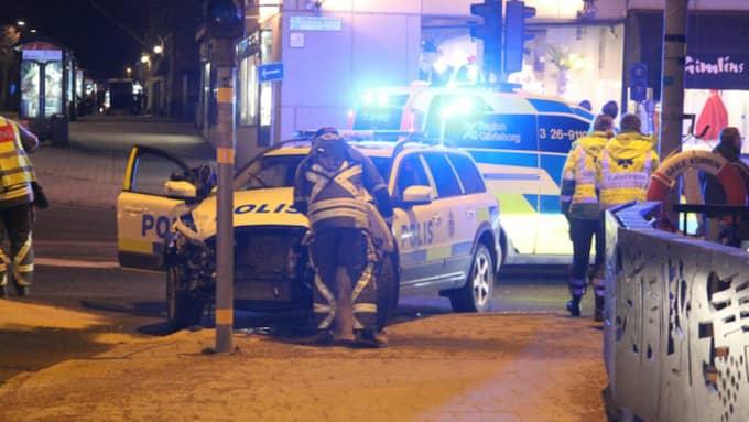 Två polisbilar med totalt fem poliser inblandade krockade. Foto: Roger Nilsson / 112MEDIA.SE