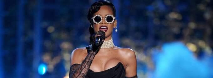 Rihanna på scen under Victorias Secret Fashion Show den 7 november 2012. Foto: Lionel Hahn